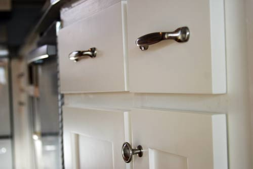 I like that our handles are hefty and slightly retro. They feel nice and sturdy. We will be using these vertically as pantry door handles (when we get ... & Doors Handles Knobs and Toes. (Knobs and Toes.): How to Install ... Pezcame.Com